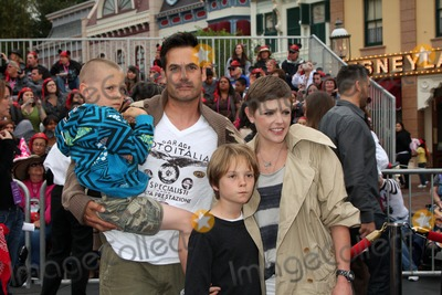 Adrian Pasdar Photo - LOS ANGELES - MAY 7  Adrian Pasdar Natalie Maines family arriving at the Pirates of The Caribbean On Stranger Tides World Premiere at Disneyland on May 7 2011 in Anaheim CA