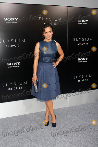 Alice Braga Photo - LOS ANGELES - AUG 7  Alice Braga arrives at the Elysium World Premiere at the Village Theater on August 7 2013 in Westwood CA