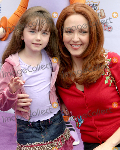 Stella Ritter Photo - Amy YasbeckStella RitterNickelodeon Presents  FairypaloozaPremiere of Rugrats Tales From The Crib  Snow WhiteNickelodeon Animation StudiosBurbank CASeptember 24 2005