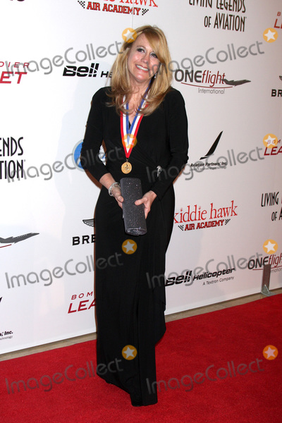Cliff Robertson Photo - LOS ANGELES - JAN 20  Stephanie Saunders daughter of Cliff Robertson at the 9th Annual Living Legends of Aviation Awards at the Beverly Hilton Hotel on January 20 2012 in Beverly Hills CA12