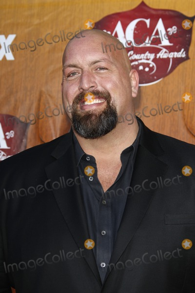 The Big Show Photo - LOS ANGELES - DEC 5  The Big Show arrives at the American Country Awards 2011 at MGM Grand Garden Arena on December 5 2011 in Las Vegas NV