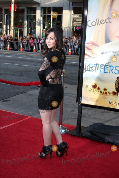 Anna Maria Perez Photo - Anna Maria Perez de Taglearrives at Letters to Juliet LA PremiereGraumans Chinese TheaterLos Angeles CAMay  11 2010