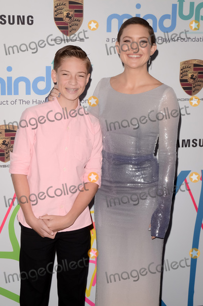 Goldie Photo - LOS ANGELES - OCT 3  Ryder Robinson Kate Hudson at the Goldies Love In For Kids at the Green Acres Estate on October 3 2017 in Beverly Hills CA