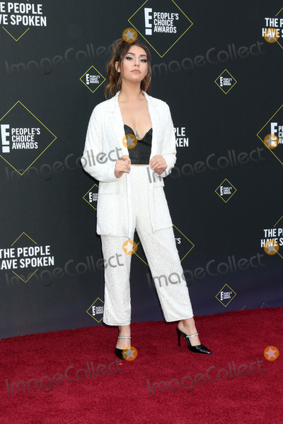 Andrea Russett Photo - LOS ANGELES - NOV 10  Andrea Russett at the 2019 Peoples Choice Awards at Barker Hanger on November 10 2019 in Santa Monica CA
