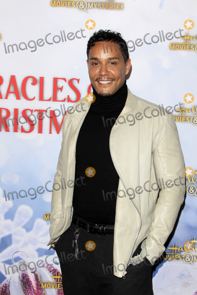 Christian Vincent Photo - LOS ANGELES - DEC 4  Christian Vincent at the Once Upon A Christmas Miracle Screening and Holiday Party at the 189 by Dominique Ansel on December 4 2018 in Los Angeles CA