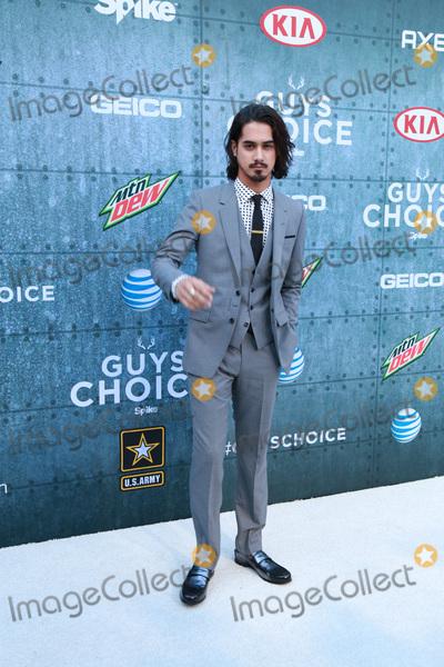 Avan Jogia Photo - LOS ANGELES - JUN 6  Avan Jogia at the Guys Choice Awards 2015 at the Culver City on June 6 2015 in Sony Studios CA