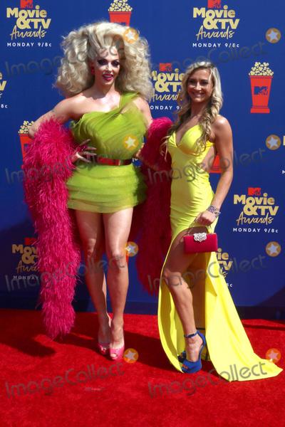 Alyssa Edwards Photo - LOS ANGELES - JUN 15  Alyssa Edwards Molly McKinnon at the 2019 MTV Movie  TV Awards at the Barker Hanger on June 15 2019 in Santa Monica CA