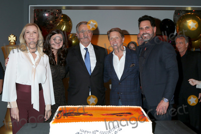 Don Diamont Photo - LOS ANGELES - FEB 7  Katherine Kelly Lang Heather Tom Eric Braeden Bradley Bell and Don Diamont at the Eric Braeden 40th Anniversary Celebration on The Young and The Restless at the Television City on February 7 2020 in Los Angeles CA