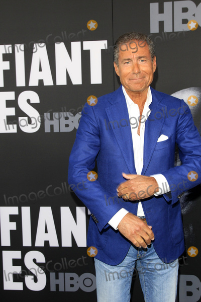 Richard Plepler Photo - LOS ANGELES - JUN 22  Richard Plepler at The Defiant Ones HBO Premiere Screening at the Paramount Theater on June 22 2017 in Los Angeles CA