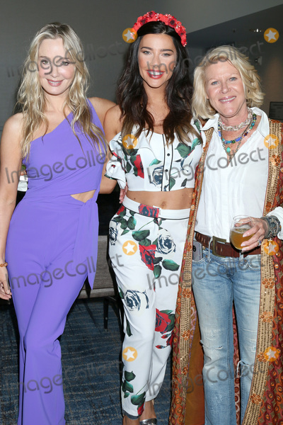 Alley Mills Photo - LOS ANGELES - JUN 22  Jennifer Gareis Jacqueline MacInnes Wood Alley Mills  at the Bold and the Beautiful Fan Club Luncheon at the Marriott Burbank Convention Center on June 22 2019 in Burbank CA