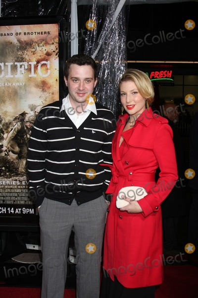 Ari Graynor Photo - Eddie Kaye Thomas and Actress Ari Graynor arriving at HBOs The Pacific Premiere Screening Manns Chinese TheaterLos Angeles CAFebruary 24 2010