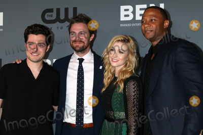 Amel Photo - LOS ANGELES - AUG 4  Ben Lewis Stephen Amell Katherine McNamara David Ramsey at the  CW Summer TCA All-Star Party at the Beverly Hilton Hotel on August 4 2019 in Beverly Hills CA