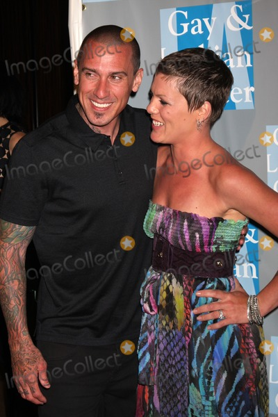 Alecia Moore Photo - Carey Hart  Pink (Alecia Moore)arrives at An Evening with Women - LA Gay  Lesbian Centers GalaBeverly Hilton HotelBeverly Hills CAMay 1 2010