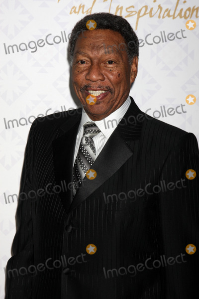 Alfred Mann Photo - LOS ANGELES - OCT 13  Billy Davis Jr at the 10th Alfred Mann Foundation Gala at Robinson-May Lot on October 13 2013 in Beverly Hills CA