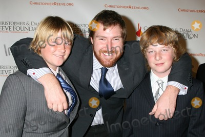 Sean Flynn Photo - Kris Keach Sean Flynn Johnny Keach arriving at the 4th Annual Los Angeles Gala for the Christopher  Dana Reeve Foundation at the Beverly Hilton Hotel in Beverly Hills CADecember 2 2008