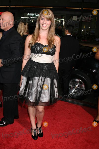 Autumn Chiklis Photo - Autumn Chiklis arriving at the premiere of Eagle Eye at Manns Chinese Theater in Los Angeles CA onSeptember 16 2008