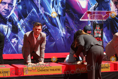 CAST MEMBER Photo - LOS ANGELES - APR 23  Chris Hemsworth Chris Evans at the Avengers Cast Members Handprint Ceremony at the TCL Chinese Theater on April 23 2019 in Los Angeles CA