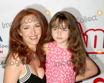 Stella Ritter Photo - Amy YasbeckStella RitterAnnie Opening Night To Benefit CASA of Los Angeles - ArrivalsPantages TheatreLos Angeles CAOctober 4 2005