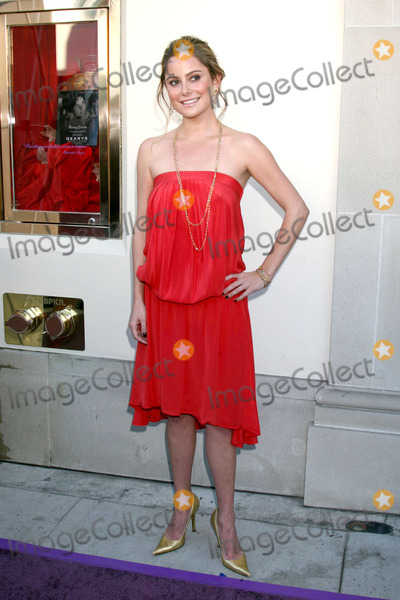 Amanda Brooks Photo - Amanda Brooks models the line as  Elizabeth Taylor makes a Public Appearance to promote her House of Taylor and Elizabeth lines of jewelryGearysBeverly Hills CANovember 10 2007