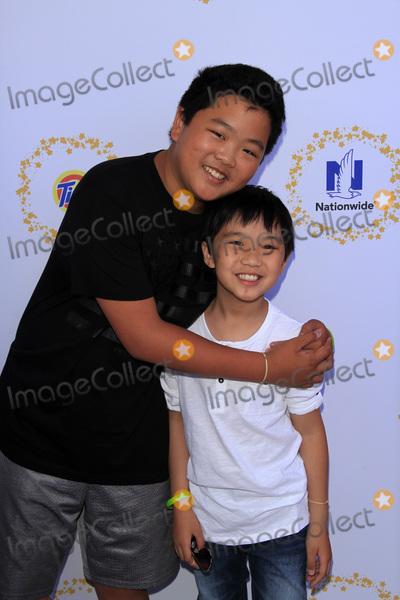 Hudson Yang Photo - LOS ANGELES - APR 23  Hudson Yang Ian Chen at the Safe Kids Day at the Smashbox Studios on April 23 2017 in Culver City CA