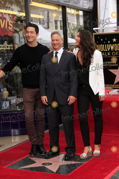 Alana de la Garza Photo - LOS ANGELES - APR 17  Daniel Henney Gary Sinise Alana De La Garza at the Gary Sinise Honored With Star On The Hollywood Walk Of Fame on April 17 2017 in Los Angeles CA