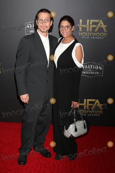Christine Devine Photo - LOS ANGELES - NOV 4  Sean McNabb Christine Devine at the Hollywood Film Awards 2018 at the Beverly Hilton Hotel on November 4 2018 in Beverly Hills CA