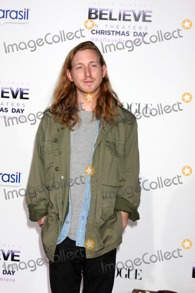 Asher Roth Photo - LOS ANGELES - DEC 18  Asher Roth at the Believe World Premiere at Regal 14 Theaters on Dec 18 2013 in Los Angeles CA