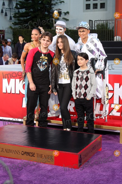 Prince Michael Jackson Photo - LOS ANGELES - JAN 26  Prince Michael Jackson Prince Michael Jackson II aka Blanket Paris Jackson at the Michael Jackson Immortalized  Handprint and Footprint Ceremony at Graumans Chinese Theater on January 26 2012 in Los Angeles CA