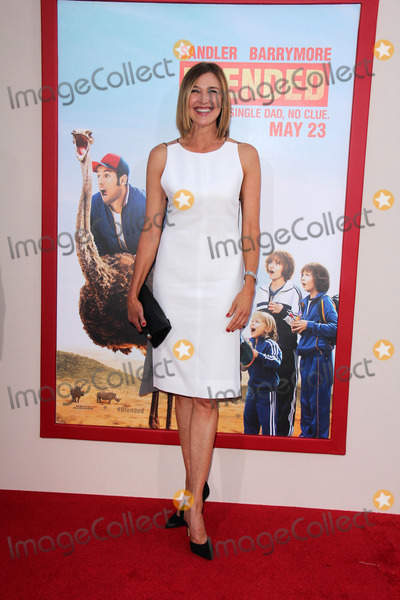 Brenda Strong Photo - LOS ANGELES - MAY 21  Brenda Strong at the Blended Premiere at TCL Chinese Theater on May 21 2014 in Los Angeles CA