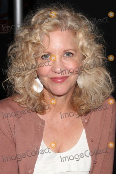 Nancy Allen Photo - LOS ANGELES - OCT 9  Nancy Allen at the Hollywood Show at Marriott Convention CenterTheatre on October 9 2010 in Burbank CA