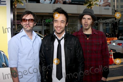 Hoobastank Photo - Hoobastank arriving at the Observe and Report  LA Premiere at the Graumans Chinese Theater on April 6 2009