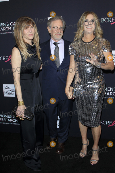 Kate Capshaw Photo - LOS ANGELES - FEB 27  Kate Capshaw Steven Spielberg Rita Wilson at the An Unforgettable Evening at Beverly Wilshire Hotel on February 27 2018 in Beverly Hills CA