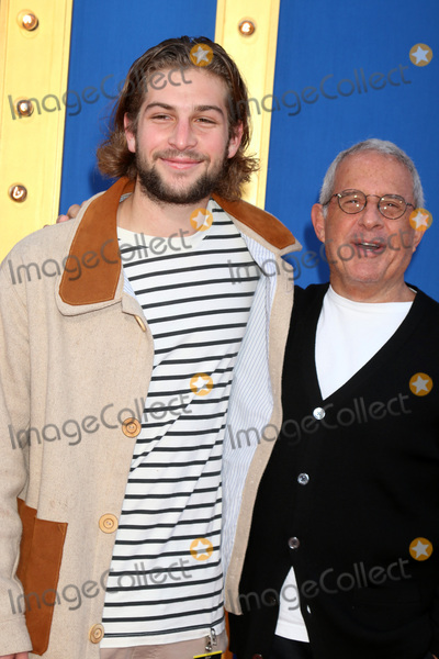 Ron Meyer Photo - LOS ANGELES - DEC 3  Eli Meyer Ron Meyer at the Sing Premiere at Microsoft Theater on December 3 2016 in Los Angeles CA