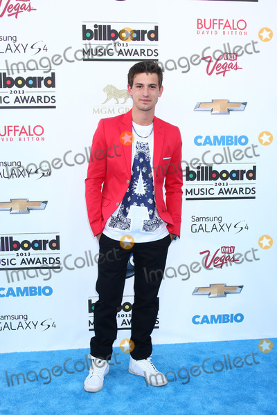 Asher Monroe Photo - LOS ANGELES -  MAY 19  Asher Monroe arrives at the Billboard Music Awards 2013 at the MGM Grand Garden Arena on May 19 2013 in Las Vegas NV