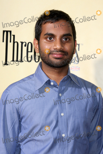 Aziz Ansari Photo - Aziz Ansari arriving at  the Extract Premiere at the ArcLight Theater in  Los Angeles CA on August 24 2009