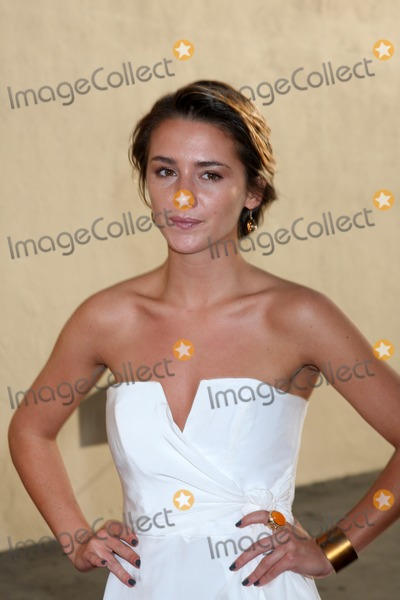 Addison Timlin Photo - LOS ANGELES - MAY 20  Addison Timlin arrives at the ABC  Disney International Upfronts at Walt Disney Studios Lot on May 20 2012 in Burbank CA