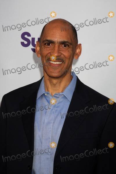 Tony Dungy Photo - Tony Dungyarrives at An Evening with NBC Universal 2010Universal Studios HollywoodLos Angeles CAMay 12 2010