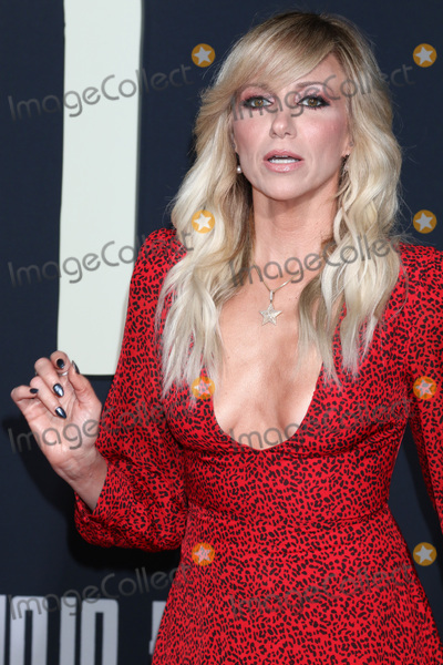 Debbie Gibson Photo - LOS ANGELES - OCT 15  Debbie Gibson at the Jojo Rabbit Premiere at the American Legion Post 43 on October 15 2019 in Los Angeles CA