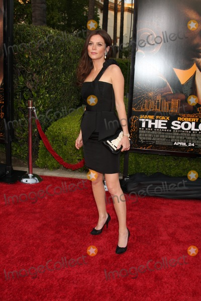 Anna Friel Photo - Anna Friel  arriving at the Soloist Premiere at Paramount Studios in Los Angeles  California on April 20 2009