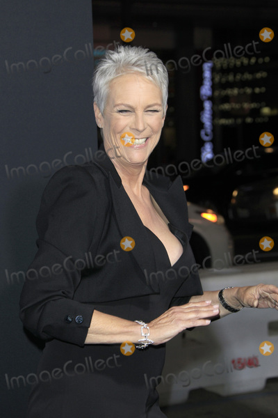 Jamie Lee Photo - LOS ANGELES - OCT 17  Jamie Lee Curtis at the Halloween Premiere at the TCL Chinese Theater IMAX on October 17 2018 in Los Angeles CA