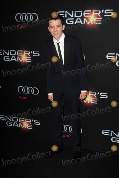Asa Butterfield Photo - LOS ANGELES - OCT 28  Asa Butterfield at the Enders Game Los Angeles Premiere at TCL Chinese Theater on October 28 2013 in Los Angeles CA