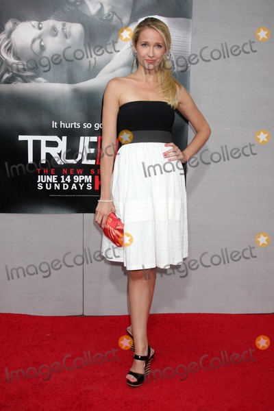 Anna Camp Photo - Anna Camp  arriving at the True Blood Season 2 Premiere Screening at the Paramount Theater  at Paramount Studios in  Los Angeles  CA on June 9 2009