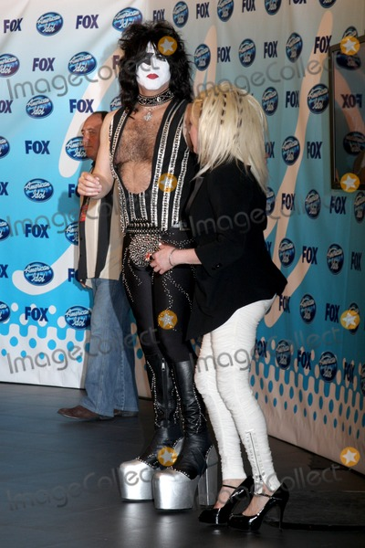 Paul Stanley Photo - Paul Stanley  Cyndi Lauper in the Press Room  at the Amerian Idol Season 8 Finale at the Nokia Theater in  Los Angeles CA on May 20 2009