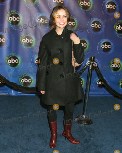 Alexis Dziena Photo - Alexis DzienaABC TV TCA PartyThe Wind TunnelPasadena CAJanuary 21 2006