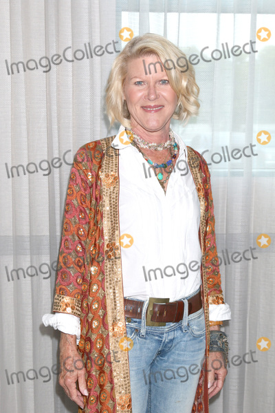 Alley Mills Photo - LOS ANGELES - JUN 22  Alley Mills at the Bold and the Beautiful Fan Club Luncheon at the Marriott Burbank Convention Center on June 22 2019 in Burbank CA