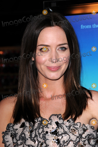 Emily Blunt Photo - Emily Blunt  arriving at the Sunshine Cleaning Premiere at The Grove   in Los Angeles  CA on  March 9 2009
