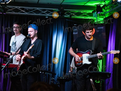 Alt J Photo - BALA CYNWYD PA USA - SEPTEMBER 05 British Alternative Rock Band alt-J Perform at Radio 1045s Performance Theatre on September 05 2014 in Bala Cynwyd Pennsylvania United States (Photo by Paul J FroggattFamousPix)
