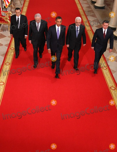 Alex Wong Photo - RESTRICTED NEW YORKNEW JERSEY OUTNO NEW YORK OR NEW JERSEY NEWSPAPERS WITHIN A 75 MILE RADIUS OF NYC(L-R) Egyptian President Hosni Mubarak Israeli Prime Minister Benjamin Netanyahu US President Barack Obama Palestinian Authority President Mahmoud Abbas and King Abdullah II of Jordan walk toward the East Room of the White House for statements on the first day of the Middle East peace talks September 1 2010 in Washington DC The White House has kicked off a new round of direct peace talks for the Middle East the first one in more than 18 months  Photo by Alex WongsPoolCNP-PHOTOlinknet