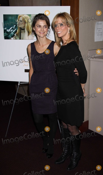 Adrienne Shelly Photo - New York NY 11-17-2008Keri Russell  Cheryl HinesAdrienne Shelly Foundation Fundraising Galaat the NYUTisch Skirball Center for the ArtsDigital photo by Adam Scull-PHOTOlinknet
