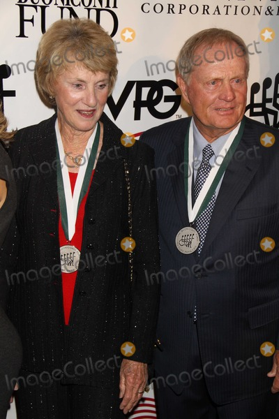 Jack Nicklaus Photo - New York NY 9-28-10Jack Nicklaus and wife Babaraat 25th Great Sports Legends dinner to benefitthe Buoniconti fund at Waldorf Astoria HotelPhoto By Maggie Wilson-PHOTOlinknet